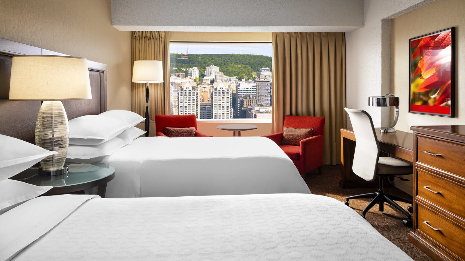 Executive Guest Suite at Le Centre Sheraton Montreal